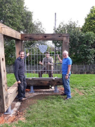 The Steering groups Don, Billy and Chris worked with Broxburn woodcraft group to recommision he Labour gate from the now demolished Menzies foundry in Bathgate.